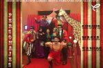 Espectacular entrada de circo decorativa, rentala ya sigue el enlace de nuestra tienda! También tenemos shows y personajes.