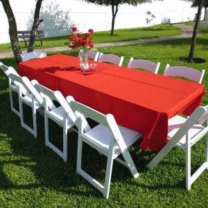 Juego de Mesa con 10 sillas Avant Garden y mantel en renta