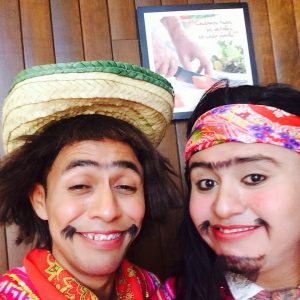 los-indios-maertin-y-gelipe-comediantes